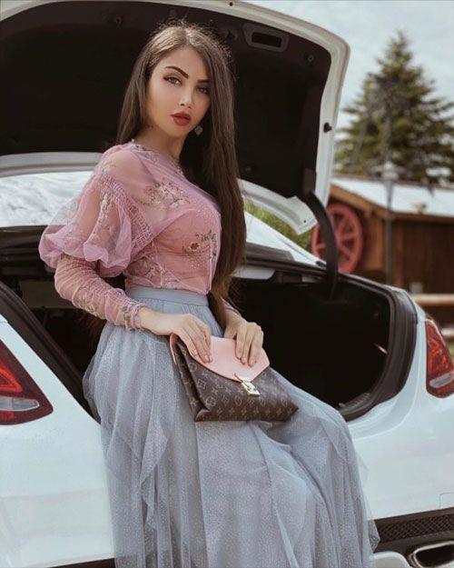 نهال سلطانی + عکس های جذاب از نهال سلطانی مدل خوش اندام