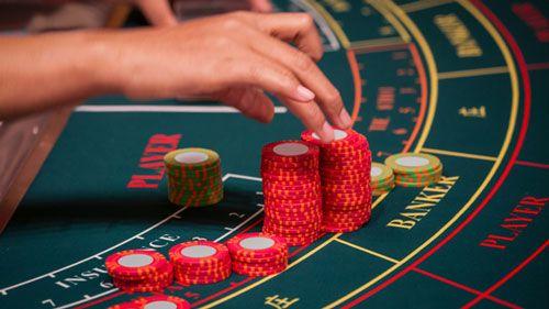 راهنمای کامل چگونه در بلک جک برنده شویم و برد 100% Blackjack