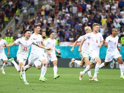 فرم پیش بینی بازی فوتبال ایتالیا در مقابل بلژیک