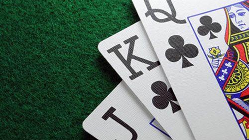 نحوه بازی دومینو پای مرغ یک بازی برای حداکثر هشت بازیکن